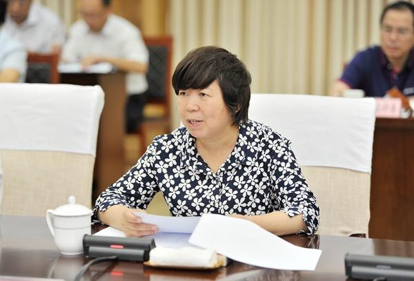 副市长陈竹琴主持会议。记者 闫鑫 摄.jpg